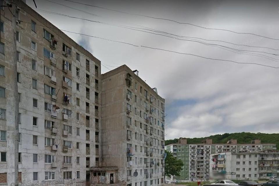 Трагедия разыгралась в одной из многоэтажек Фокино. Фото:www.google.com/maps.