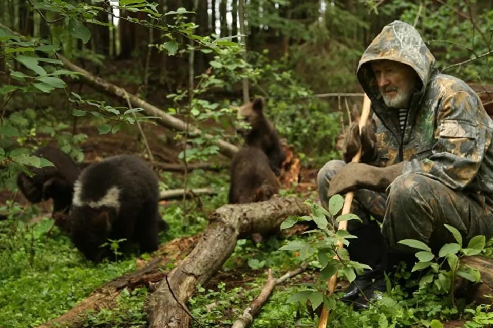 Спасший сотни медвежат Валентин Пажетнов погиб 8 июня 2021 года. Фото: Центр спасения медвежат-сирот