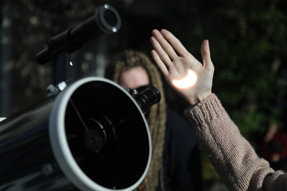 Красноярцы увидели солнечное затмение: публикуем лучшие фото