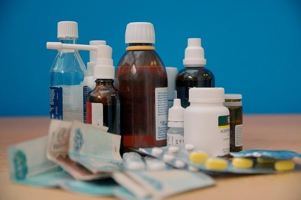 Автоэксперт назвал лекарства, которые нельзя принимать перед поездкой за рулем