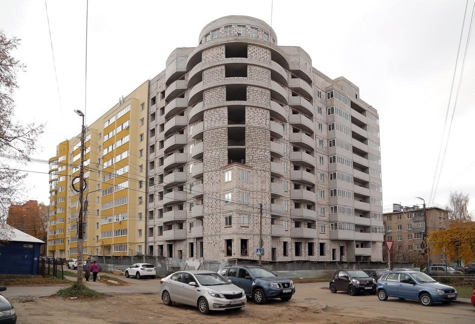 Долгострой на улице Стройкова в Рязани.