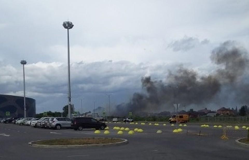 """В Тюмени горит жилой частный дом. Фото - """"ЧП Тюмень"""" в ВК."""