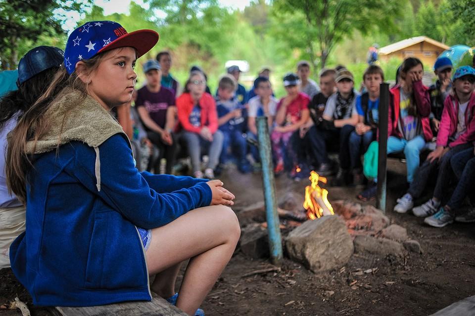 Прошлое лето детворе испортил коронавирус. Работала лишь пятая часть лагерей по всей стране, поправить здоровье там смогли лишь 5% школьников.