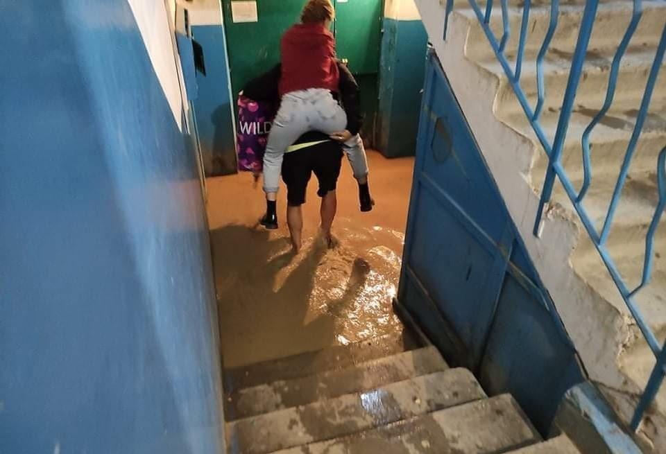 Не все смогут покрыть выплаченными компенсациями ущерб, который нанесла стихия их имуществу. Фото: Янина Павленко / Facebook.