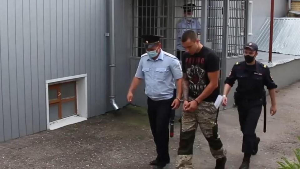 Полицейские устанавливают личность заказчика нападения