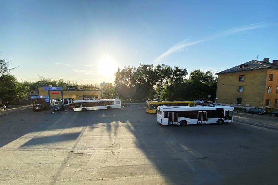 Путешествовать по Мурманской области можно на междугородних автобусах.