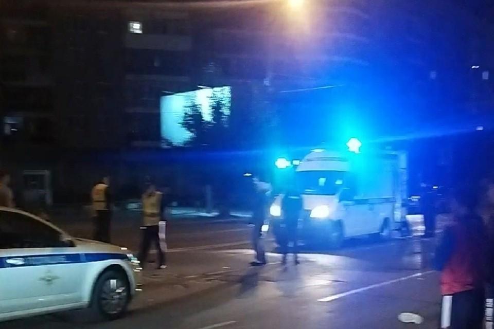"""В Новосибирске внедорожник сбил мужчину на самокате. Фото: """"АСТ-54""""."""