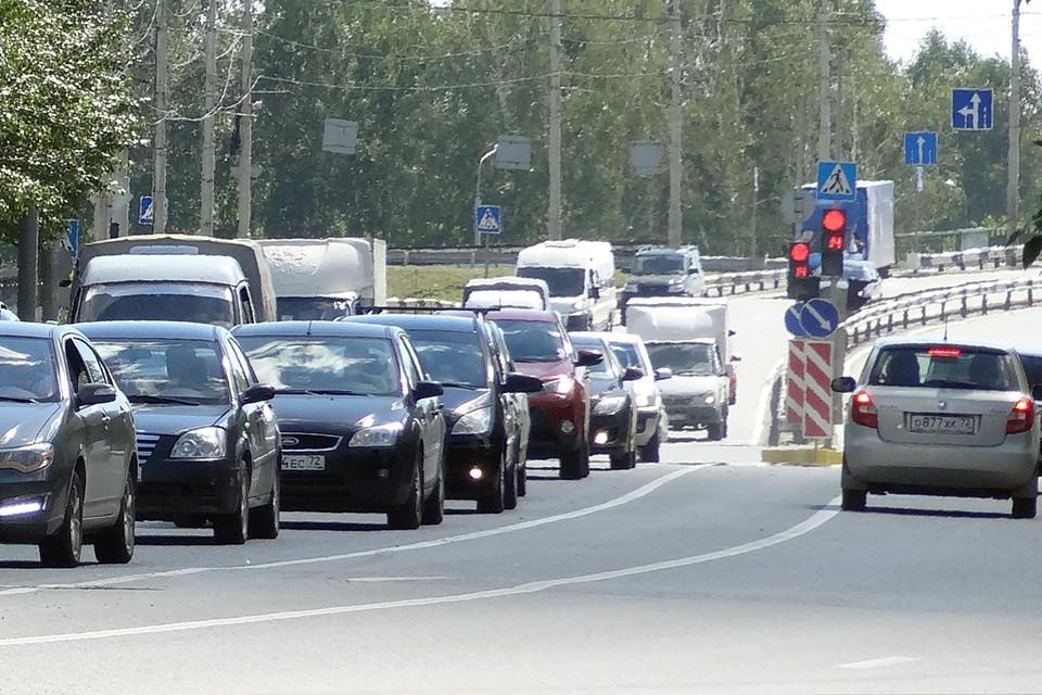 В опасной зоне тюменской трассы запретили левый поворот