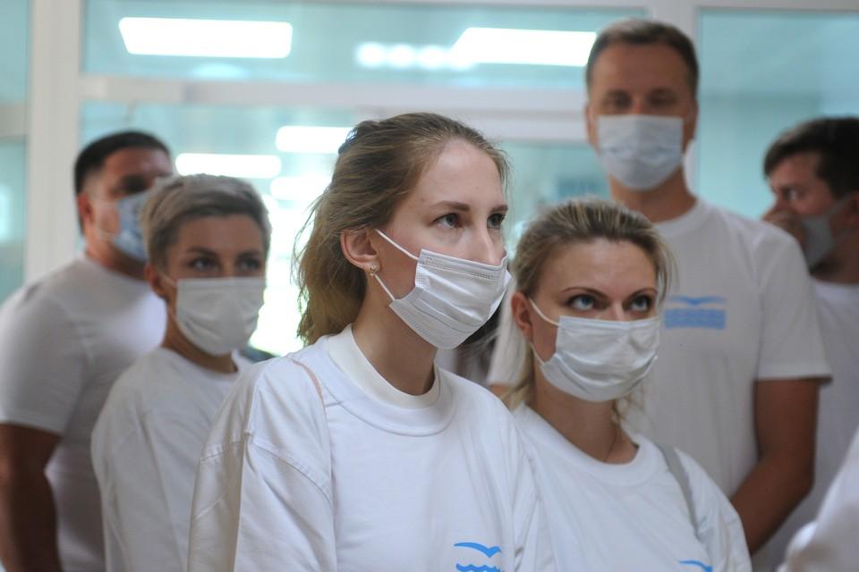 Почти 2 тысячи человек заболели коронавирусом в Петербурге 10 июля