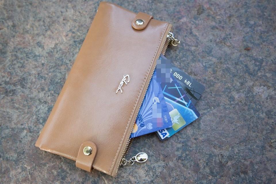 Подросток потратил с чужой карты 41 тысячу рублей.