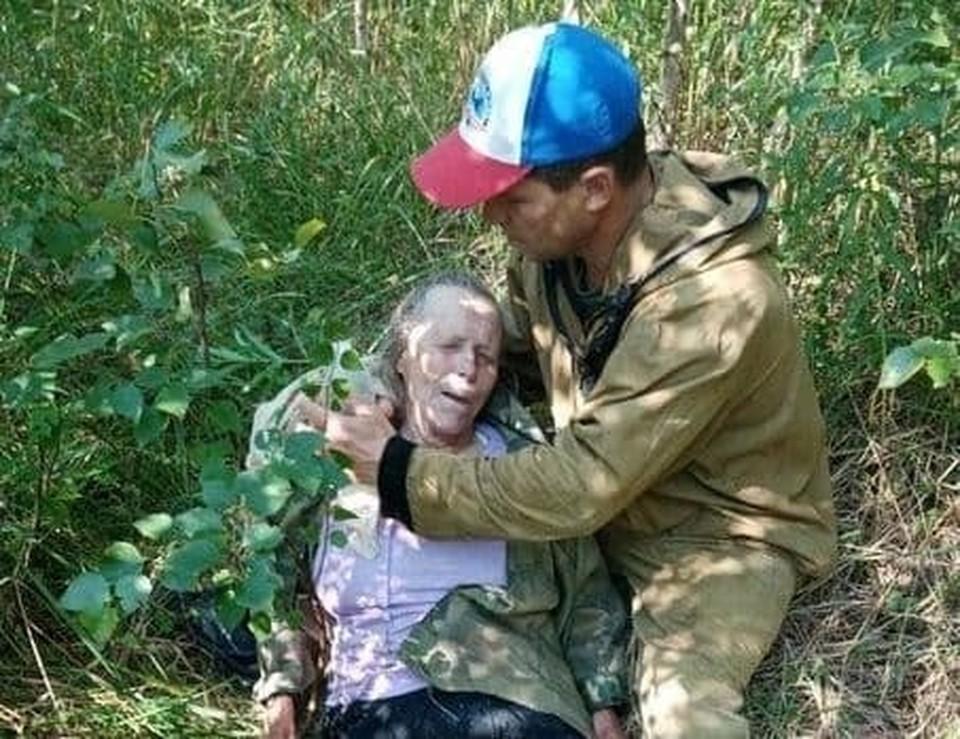 Пропавшую в лесах Сокольского района 81-летнюю пенсионерку нашли живой утром 10 июля