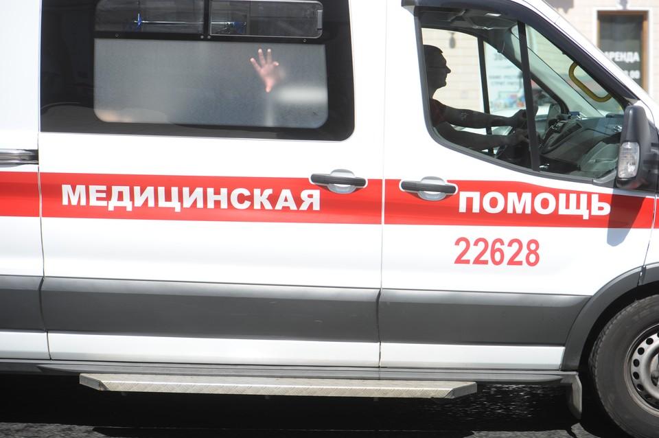 Мужчина утонул во время купания на карьере в Ленобласти