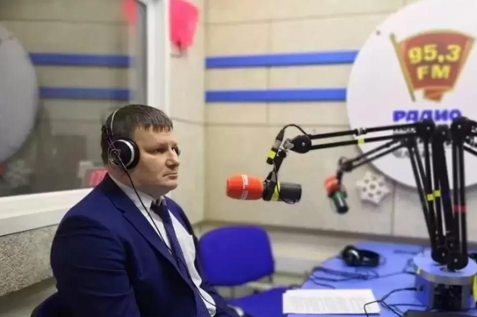 """Федечкин в студии радио """"Комсомольская правда"""" (95,3 FM в Челябинске)"""