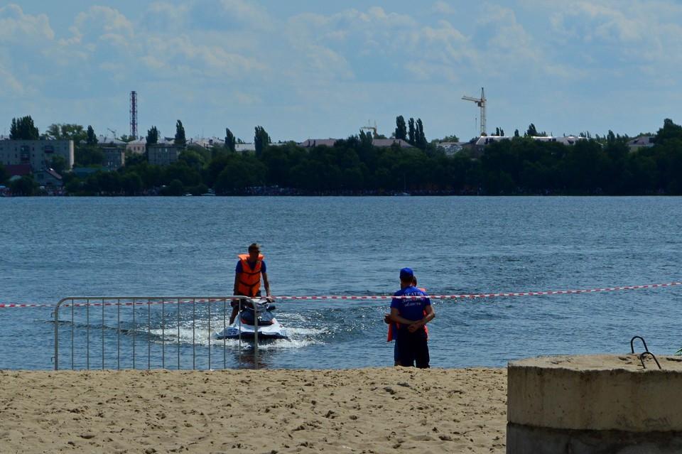 На официальных пляжах спасли 20 человек