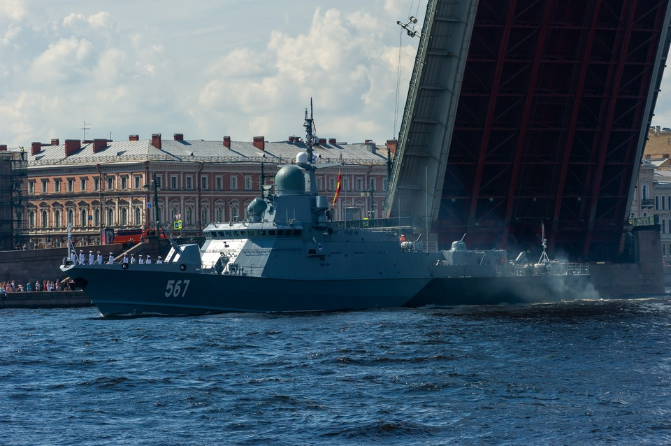 График разводки мостов в Петербурге изменится из-за репетиции дня ВМФ
