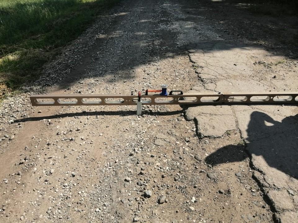 Ситуацию с разбитой дорогой под Орлом проверит полиция. Фото Госавтоинспекции Орловской области