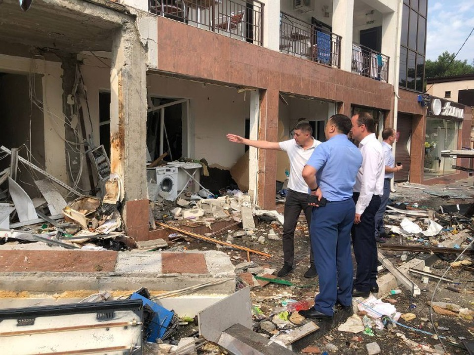 Мэр Геленджика на месте взрыва