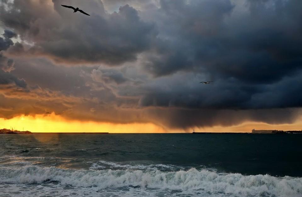 Надвигается новый циклон. Фото: архив «КП»-Севастополь»