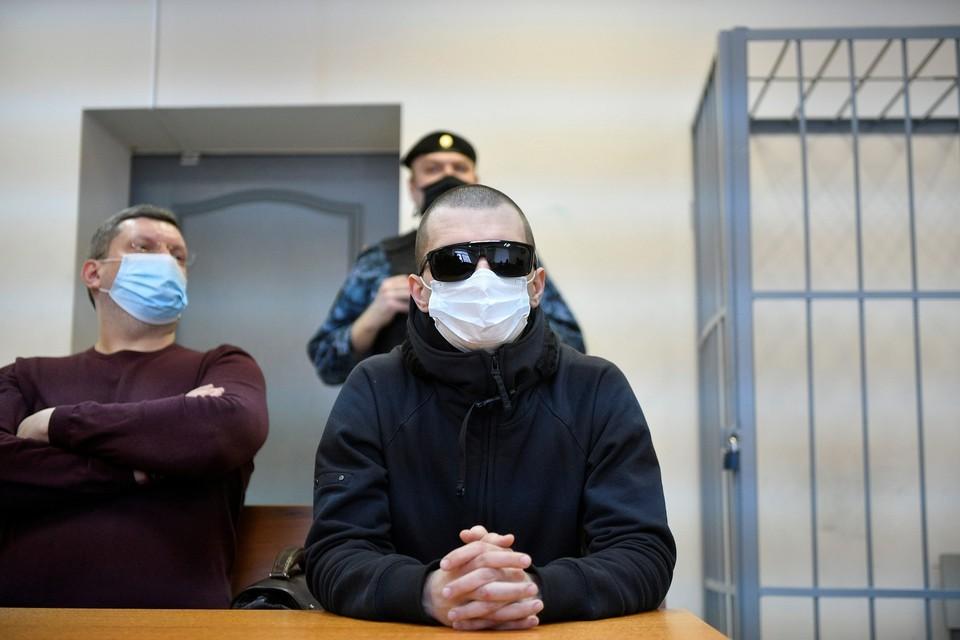 Во время несогласованной акции художника задержали и выписали штраф, но на суд он не являлся