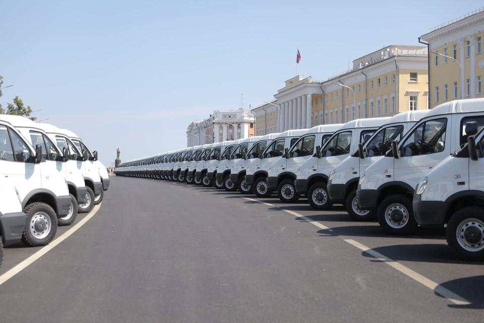 103 новых автомобиля скорой помощи получили нижегородские больницы 13 июля. ФОТО: Кирилл Мартынов