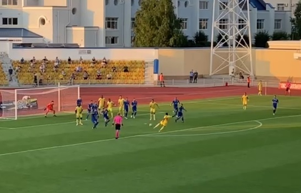 Адама Траоре красивейшим ударом забивает единственный в матче гол (Фото: скрин с видео).