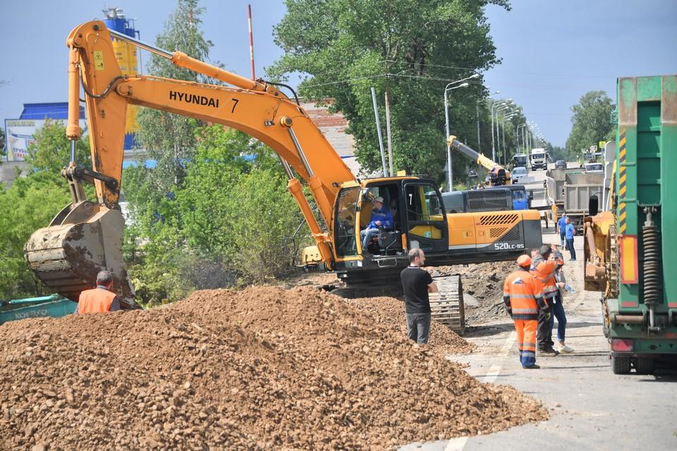 Подрядчикам предстоит вынуть грунт, устроить основание дороги, инженерные сети, железнодорожный переезд