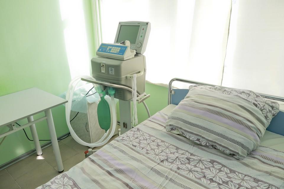 Лечение в стационарах сейчас получают 2449 пациентов