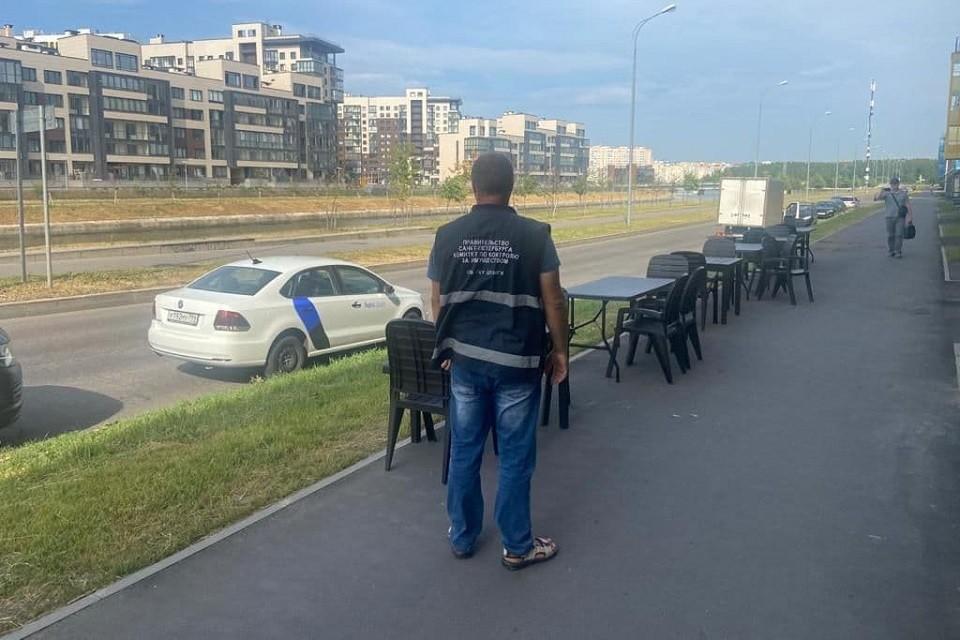 На Матисовом канале работник кафе напал на инспекторов ККИ. Фото: ККИ СПб.