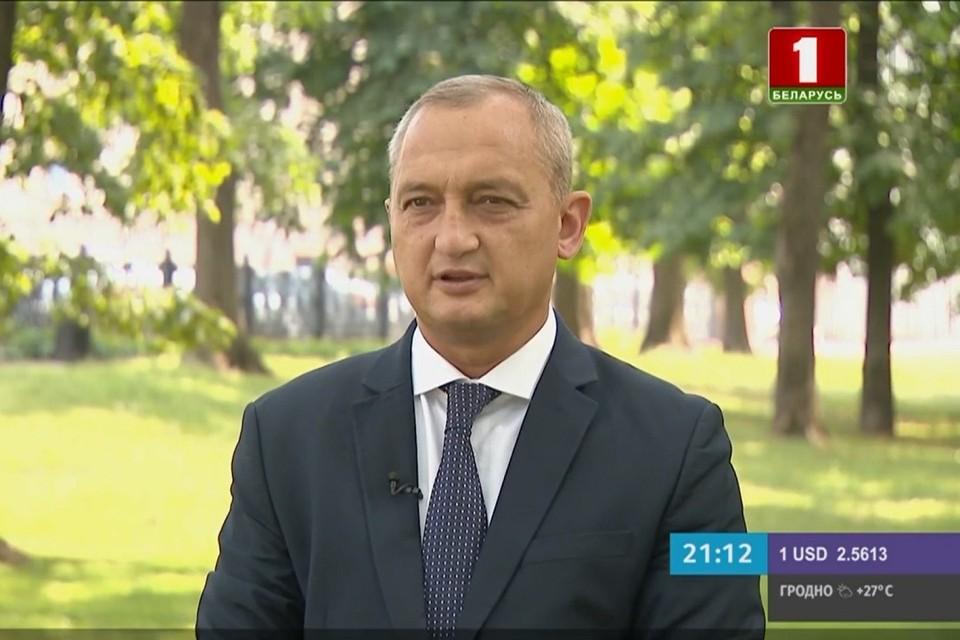 Заместитель госсекретаря Совбеза Беларуси Владимир Арчаков заявил, что сейчас нет оснований вводить в республике чрезвычайное положение. Фото: стоп-кадр | видео «Беларусь 1»