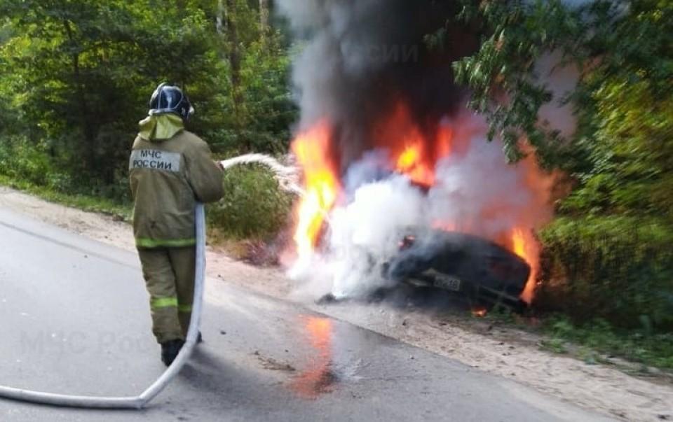 Машина полностью выгорела.