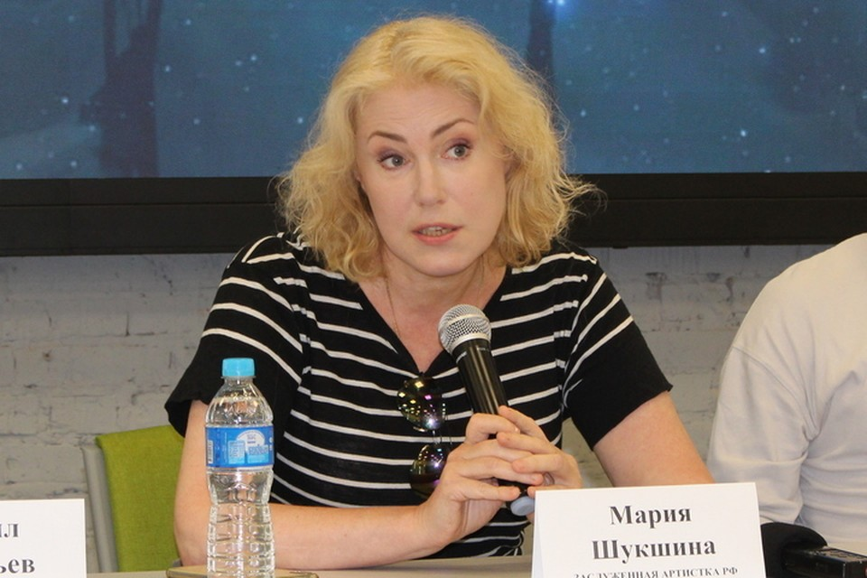 Мария Шукшина играет в фильме про Ивана Семенова современную эффектную и импозантную бабушку.