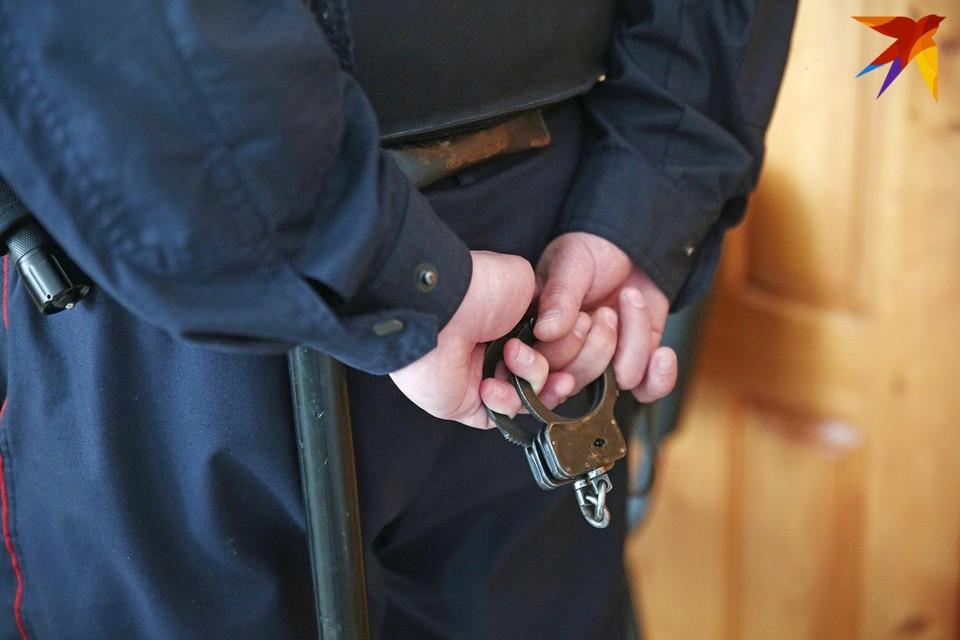 В течение 10 дней правозащитникам должны предъявить обвинение или отпустить из-под стражи.