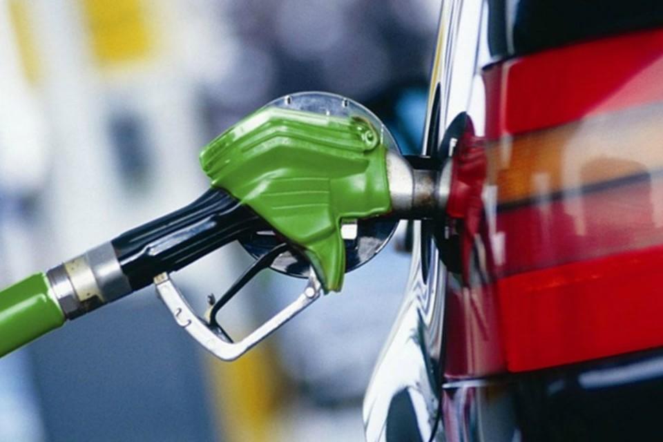 """Цены на бензин продолжают свой """"полет""""."""