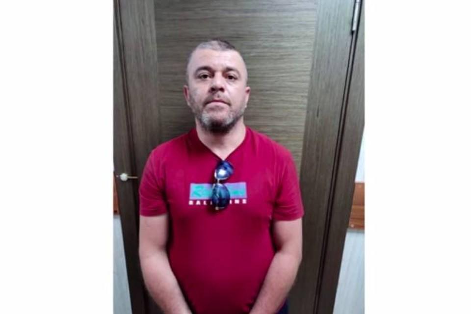 """Полиция задержала троих угонщиков """"Газели"""" в Петербурге"""