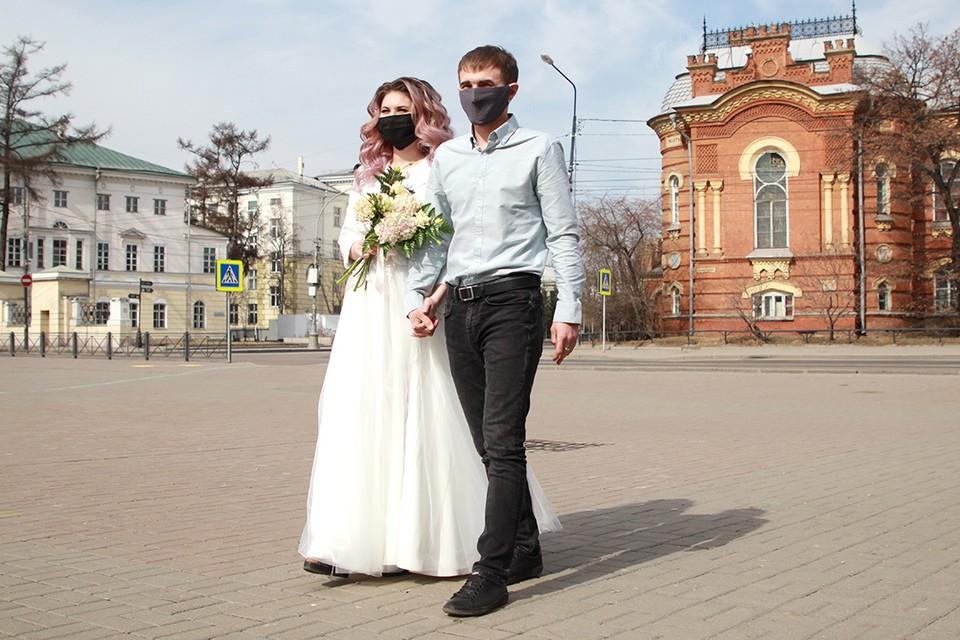 Фудкорты в Иркутской области открыты, свадьбы под открытым небом разрешены