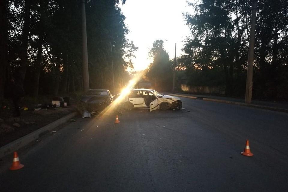 В Кировском районе Новосибирска серьезно столкнулись две иномарки. Фото: ГИБДД по Новосибирску