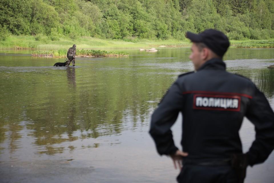 Молодой мужчина утонул, не доплыв до берега всего несколько метров.