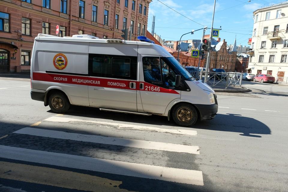 Мальчик сломал позвоночник на детской площадке в Петербурге