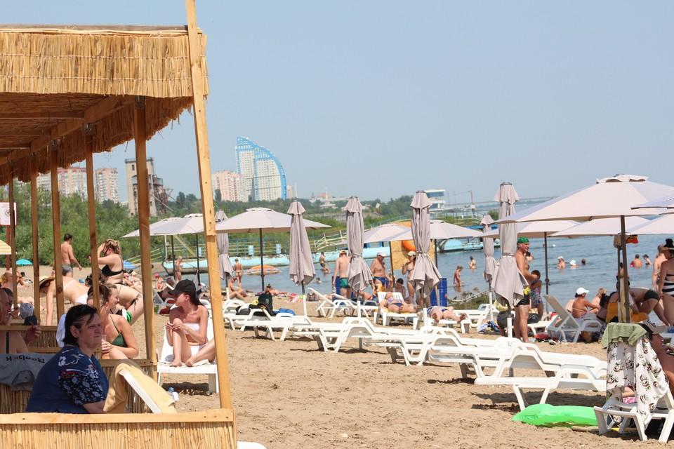 Мэрия благоустроила пляж на Тулака, но Роспотребнадзор посчитал воду непригодной для купания.