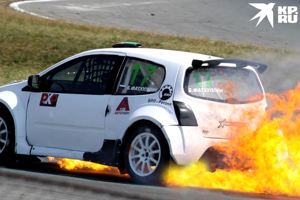 Пожар на автомобиле Булата Фатхуллина.