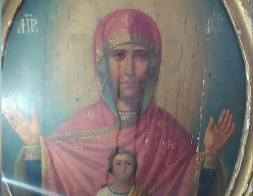 В одной из церквей в Тульской области мироточит икона