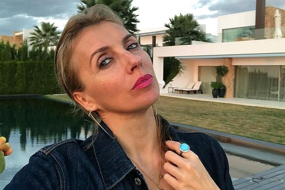 Светлана всегда тепло отзывалась о бывшем муже. Однако сейчас неожиданно призналась, что в браке с ним она ощущала себя одинокой. Фото: Инстаграм.