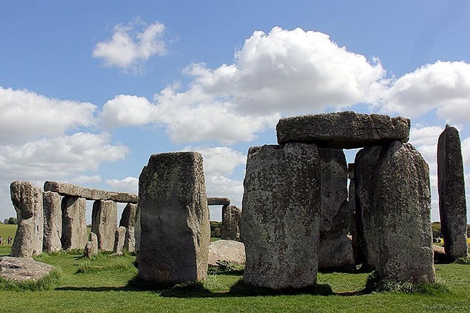 Одно из самых мистических и знаковых мест в мире – английский Стоунхендж, где в круг стоят каменные плиты