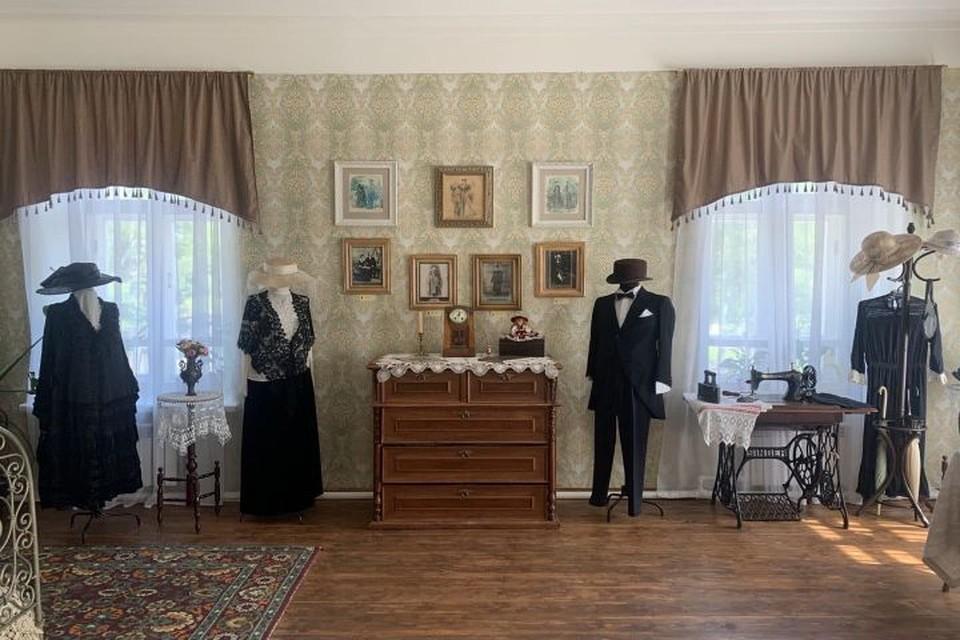 Внутри – купеческий быт, старинные наряды и уникальная атмосфера прошлого.