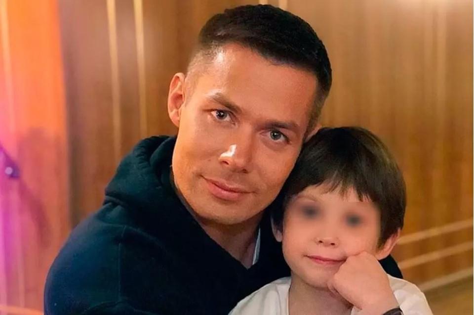 Певец Стас Пьеха с сыном.