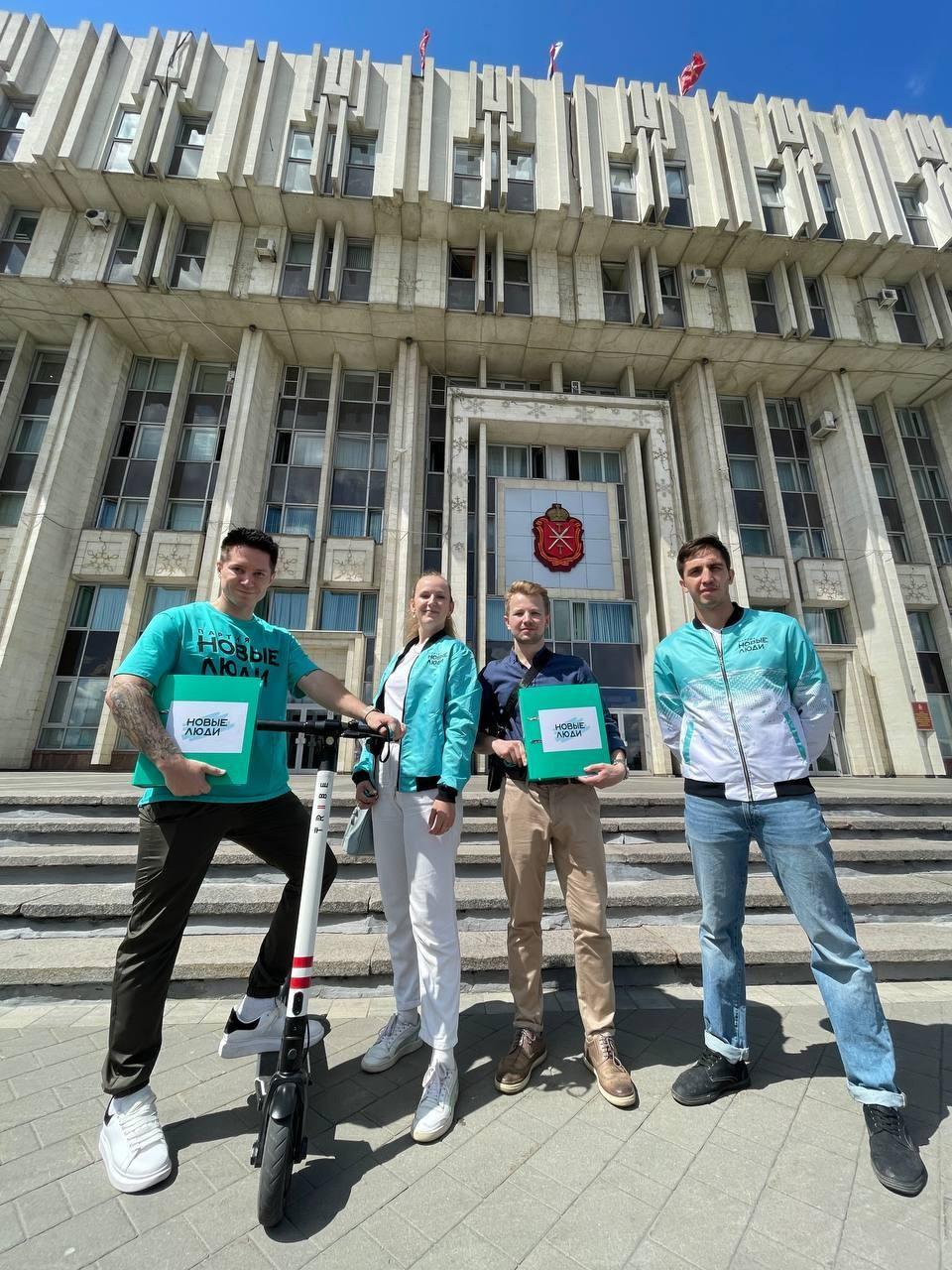 Аккордеонист Максим Токаев идёт в Госдуму с партией «Новые люди».