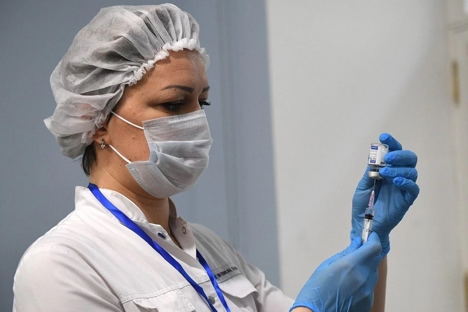 Мошенники стали обманывать россиян, обещая вакцинацию от СOVID-19 на дому