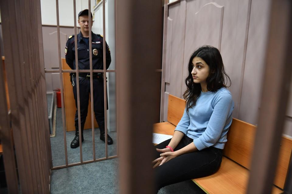 Три года тянется следствие по громкому делу сестер Хачатурян.