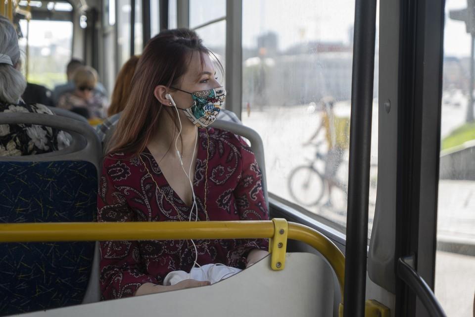Волгоградцам настоятельно рекомендуют носить маски