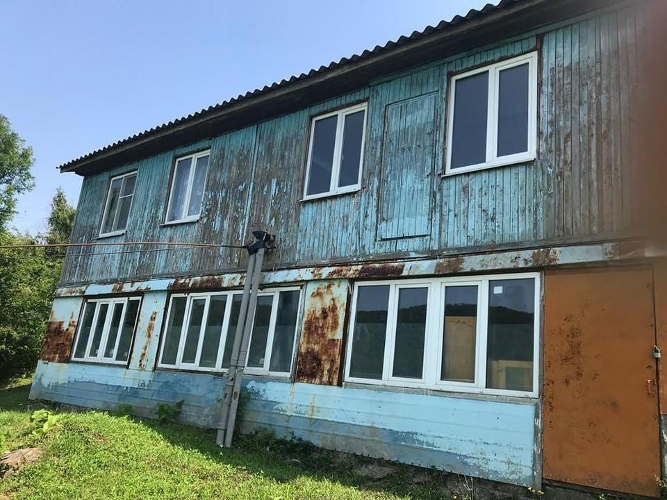 В этом здании дети больше не учатся. Фото: tuapse_info
